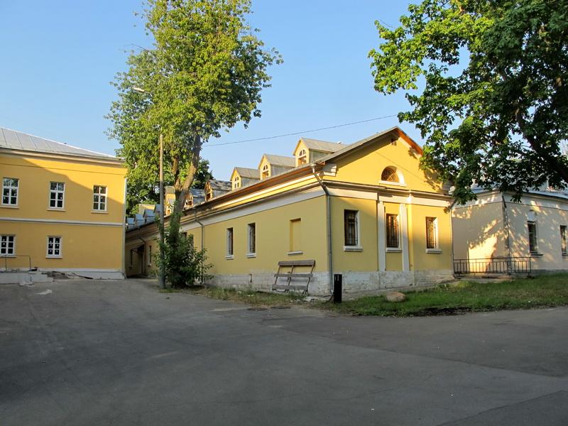 Н.И. Пирогова действует с 1998